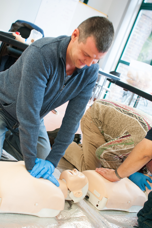 hillus-Engineering-Krefeld-AED-Erste-Hilfe-haus-der-medizintechnik_Erste-Hilfe-8