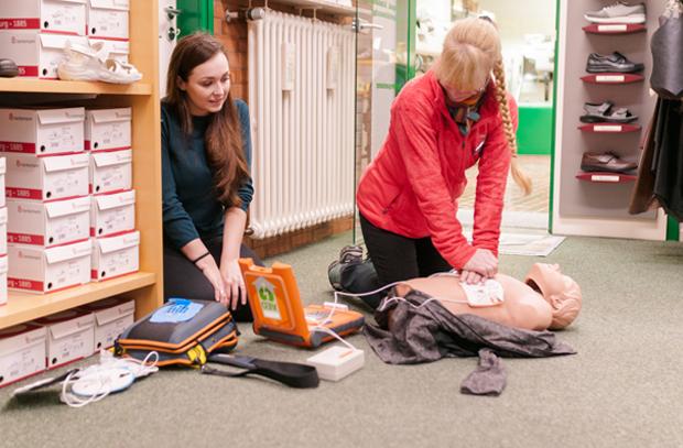 Defi Schulung - AED Schulung im Unternehmen